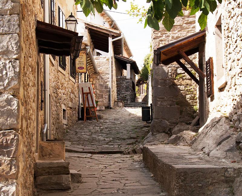 Город Хум - самый маленький город не только в Хорватии, но и в мире!